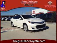 Exterior Color: blizzard pearl, Body: 4dr Car, Engine: