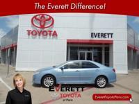2013 Toyota Camry Hybrid XLE Blue 2.5L I4 Hybrid DOHC
