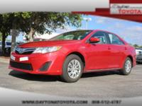 2013 Toyota Camry Hybrid LE, *** 1 OWNER *** CLEAN