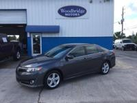 Options:  2013 Toyota Camry Se|Magnetic Gray