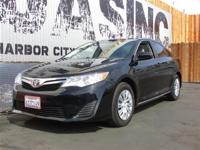 This 2013 Toyota Camry 4dr 4dr Sedan I4 Automatic LE