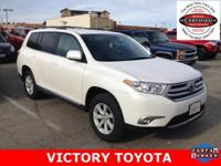 2013 Toyota Highlander Base Plus V6 in White starred