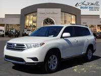 CARFAX 1-Owner. FUEL EFFICIENT 25 MPG Hwy/20 MPG City!