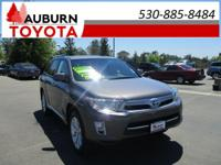 LOW MILES, AWD, LEATHER!  This 2013 Toyota Highlander