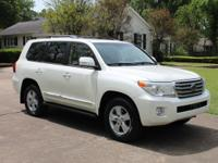 2013 TOYOTA LAND CRUISER  PERFECT CARFAX NON-SMOKERS