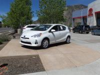 FUEL EFFICIENT 46 MPG Hwy/53 MPG City! CARFAX 1-Owner,