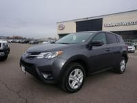 THIS 2013 TOYOTA RAV4 IS IN EXCELLENT CONDITION! IT'S