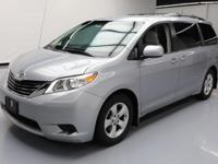 This awesome 2013 Toyota Sienna comes loaded with the