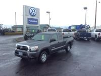 CARFAX 1-Owner, ONLY 25,284 Miles! EPA 25 MPG Hwy/21