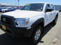 FUEL EFFICIENT 21 MPG Hwy/16 MPG City! LOW MILES -