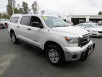 LIKE NEW TUNDRA CREW CAB 4WD WITH A CLEAN VEHICLE
