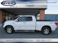 Toyota Tacoma SR5 4x4 Double Cab 4x4. 5.7L V8. Local
