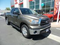 New Arrival! 4WD, Low miles for a 2013! Multi-Zone Air