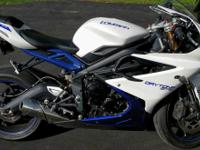 I am looking to sell my 2013 Daytona Triumph 675. I