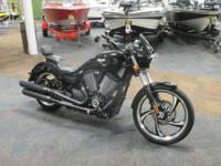 SUPER CLEAN 2013 VICTORY VEGAS 8-BALL! Features