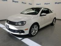 FUEL EFFICIENT 30 MPG Hwy/22 MPG City! CARFAX 1-Owner,