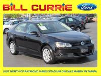 This 2013 Volkswagen Jetta 2.5L SE in Black Uni