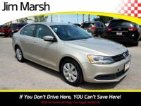 Step into the 2013 Volkswagen Jetta! This car offers