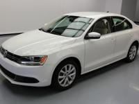 This awesome 2013 Volkswagen Jetta comes loaded with