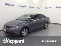 FUEL EFFICIENT 42 MPG Hwy/30 MPG City! CARFAX 1-Owner.