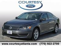 This 2013 Volkswagen Passat 2.5 SE in Gray features: