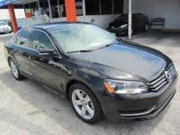 This 2013 Volkswagen Passat 4dr SE Sedan . It is