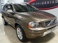 Just Reduced! CARFAX One-Owner. **MOONROOF/SUNROOF**,