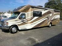 Beautiful RV, Features include: 1000 Watt AC/DC