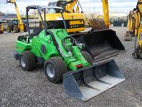 Loaders All-Wheel Loaders 4529 PSN . 2013 Avant 750