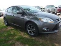 2013 FOCUS HATCHBACK SE. UNIQUE LEATHER POWER SEATING,