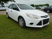 2013 FOCUS 4 DOOR SEDAN. ALL POWER AND AUTOMATIC. LOW