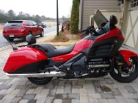 Hondas new Gold Wing F6B DELUXE takes the worlds