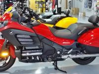 2013 HONDA F6B DELUXE GOLDWING IN RED. THIS BIKE IS