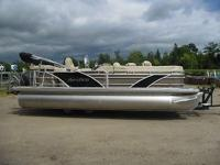 Up for auction is a 2013 Nautic Aqua Patio 22 Pontoon