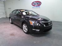 2013 Nissan Altima SV sedan** 38 MPG ** SV ** ONLY 20K