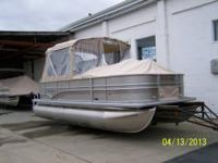 FOR SALE:.  2013 Sylvan Mirage 8520 4.0 - 20' pontoon