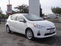 A/C, ALLOY WHEELS, AM/FM STEREO, AUTO CLIMATE CONTROLS,