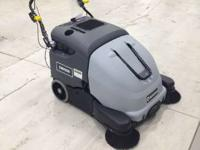 2014 Advance SW900 SW900 Walk-Behind Sweeper the
