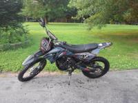 Excellent dirt bike. Great condition. Has upgraded