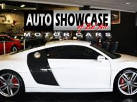This 2014 Audi R8 2dr 2dr Coupe Automatic quattro V8
