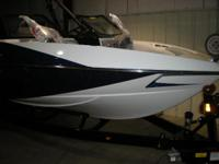 Boats Ski and Wakeboard 4064 PSN . 2014 Axis T22 All