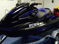 ,,,,,,,,,2014 yamaha WaveRunner FZR its Black and Blue
