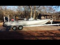 "2014 Bluewave 250ss - Striper Boat. 24'6"" Center"