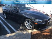 **Alloy Wheels**, **Bluetooth**, **Moonroof**,
