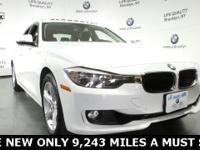 328i xDrive. Driver Assistance Package (Park Distance