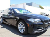 This 2014 BMW 5 Series 4dr 528i Sedan 4D features a