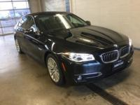 FUEL EFFICIENT 33 MPG Hwy/22 MPG City! LOW MILES -