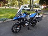 2014 BMW R1200 GS Adventure Motorcycle. Blue totally