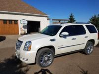 BEAUTIFUL WHITE DIAMOND PLATINUM ESCALADE AWD WITH ALL