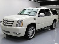 2014 Cadillac Escalade with 6.2L V8 Engine,7-Passenger